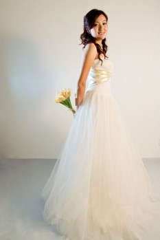 Wedding Dress tulle sweetheart neckline front