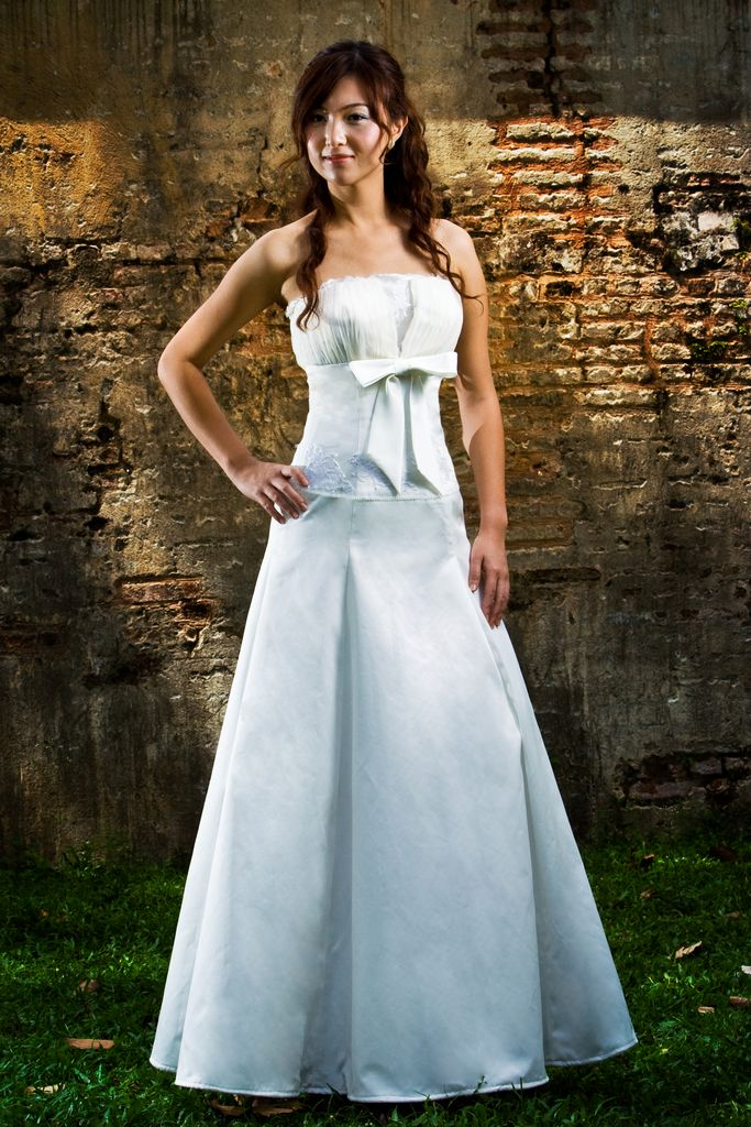 Wedding Dress scallop neckline A line full